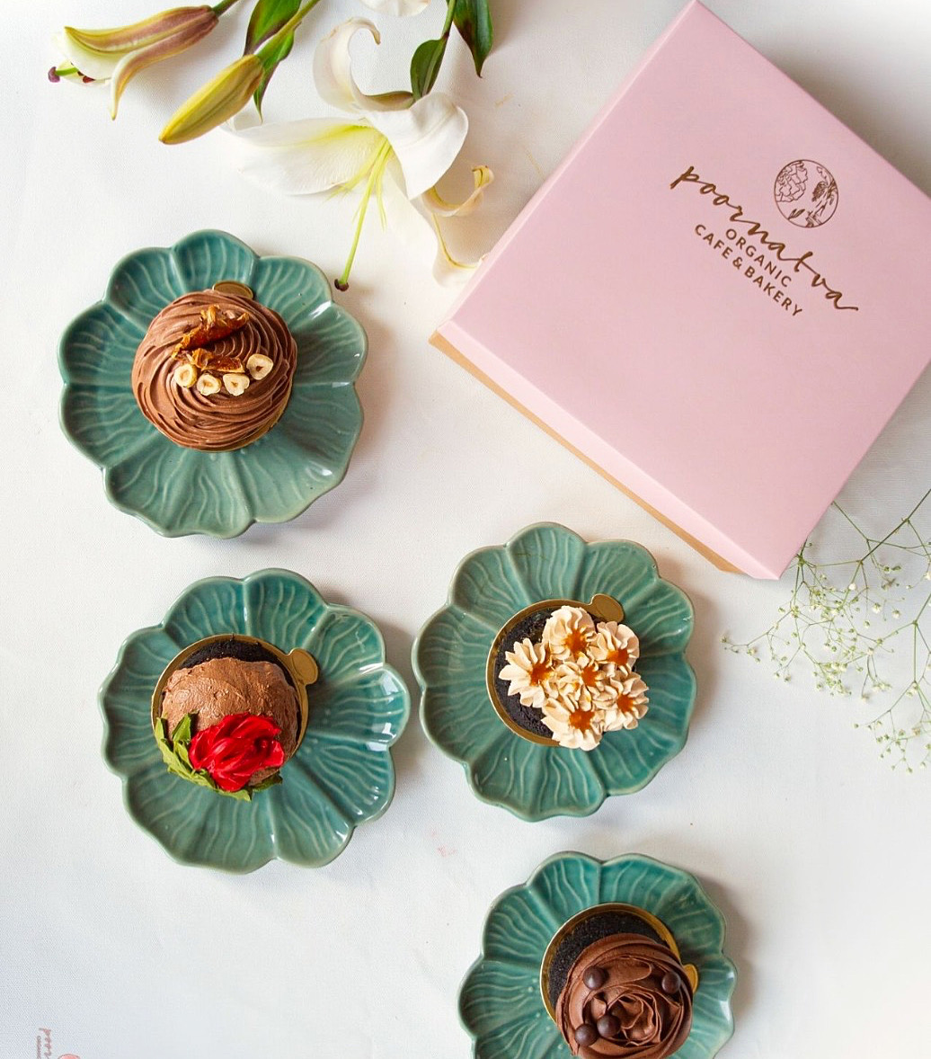 Assorted Chocolate Mini Cakes Gift Box